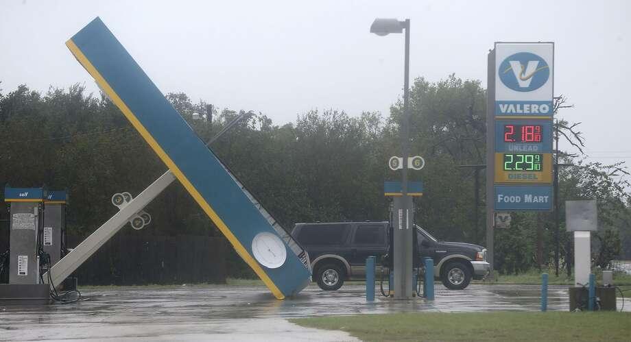 This Valero gas station in Sutherland Springs, Texas east of San Antonio is damaged after hurricane Harvey swept through the area Sunday August 27, 2017. Photo: John Davenport, STAFF / San Antonio Express-News / ©San Antonio Express-News/John Davenport