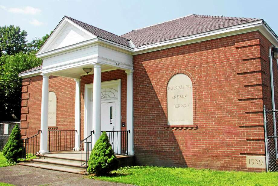 The Southeast School on Oak Avenue in Torrington. Administrators and community organizers want to turn the vacant building into an early childhood education center. Photo: Esteban L. Hernandez — The Register Citizen