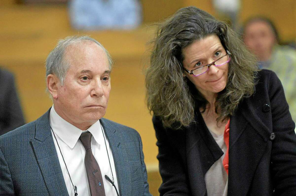 Associated Press/The Hour, Alex von Kleydorff Singer Paul Simon, left, and his wife Edie Brickell appear Monday at a hearing in Norwalk Superior Court. The couple were arrested Saturday on disorderly conduct charges by officers investigating a family dispute at their home in New Canaan.