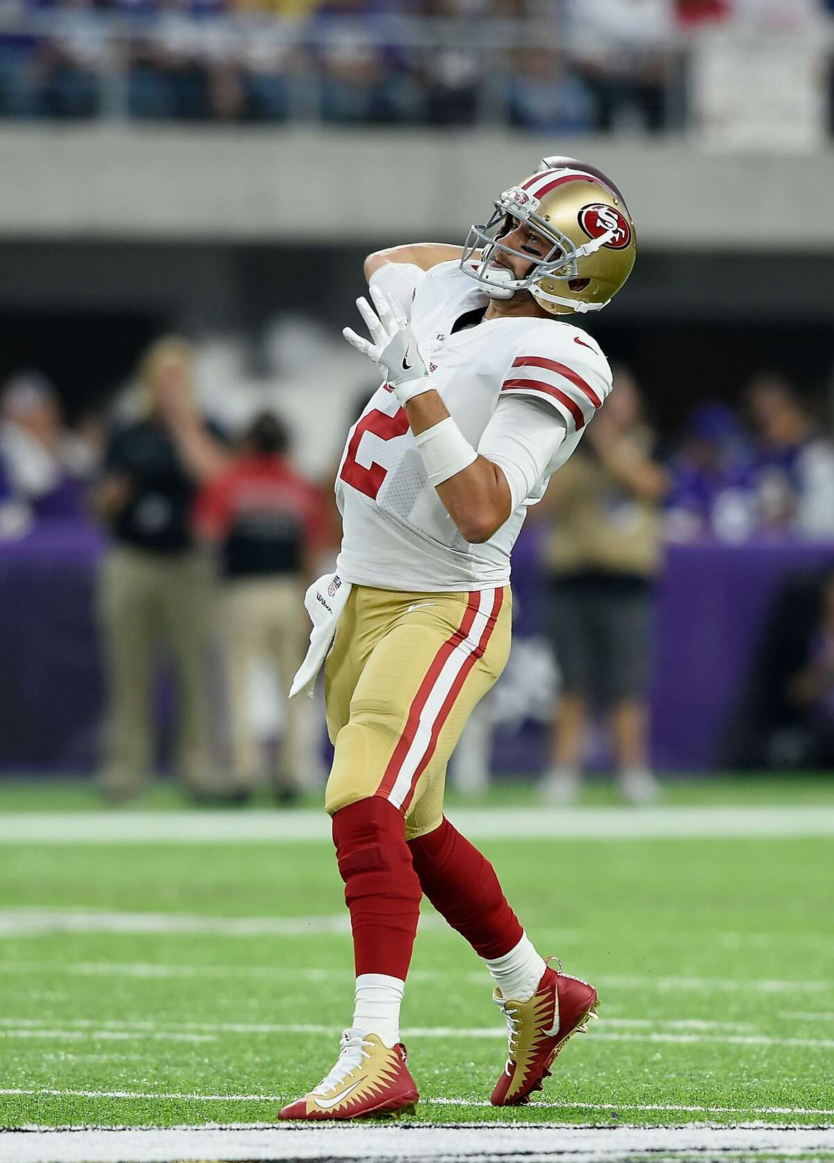 MINNEAPOLIS, MN - AUGUST 27: Brian Hoyer #2 of the San Francisco 49ers passes the ball for a touchdown against the Minnesota Vikings during the first quarter in the preseason game on August 27, 2017 at U.S. Bank Stadium in Minneapolis, Minnesota. (Photo by Hannah Foslien/Getty Images)