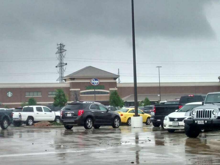 Kroger was open at League City Parkway on Monday, Aug. 28.SLIDESHOW: Houston's dramatic Harvey rescues Photo: Kirk Sides/Houston Chronicle