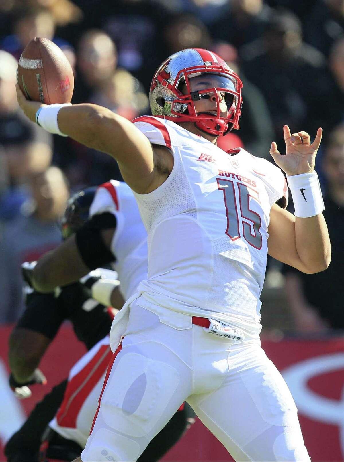 Rutgers quarterback Gary Nova in action against Cincinnati Saturday, Nov. 1.