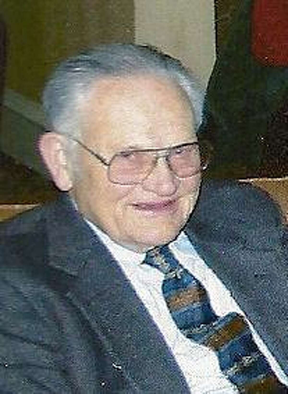 Robert Estabrook.