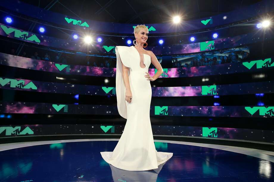 Katy Perry's red carpet look by Stephane Rolland was her best look of the night. The geometry and drama of the exaggerated, single-shoulder gown complemented Perry's blond pixie perfectly. Photo: Rich Fury, Getty Images