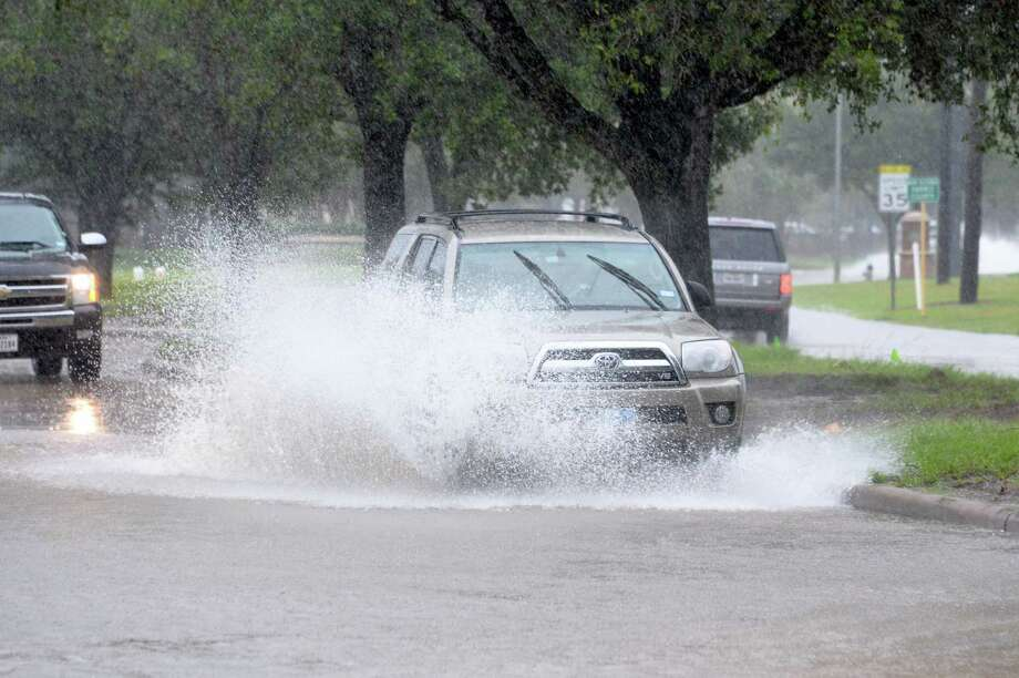 """Hoax:Water isn't being shut off in KatyRumors  swirled Monday on social media from anxious residents in the Katy area concerning their water being shut off. However, officials quickly responded and said, """"the city water is safe and is not being turned off."""" Photo: Craig Moseley, Chronicle / ©2017 Houston Chronicle"""