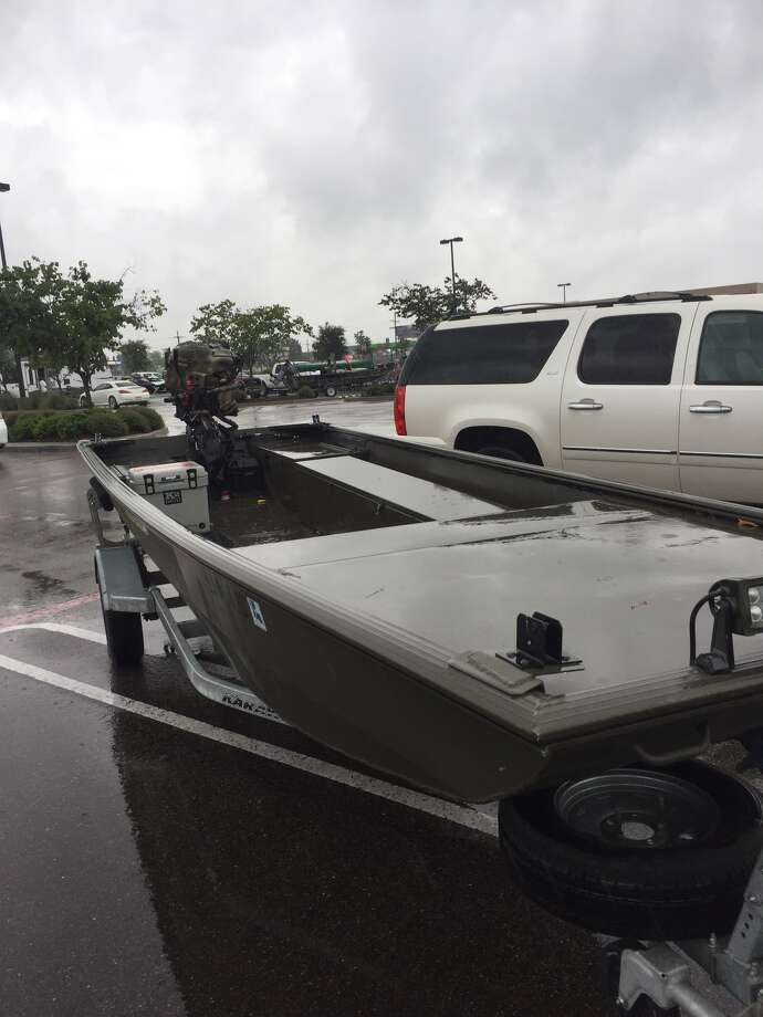 A group of volunteers from Louisiana known as the Cajun Navy have come under attack while trying to assist people in Houston displaced by Tropical Storm Harvey. Photo: Jon Bridgers