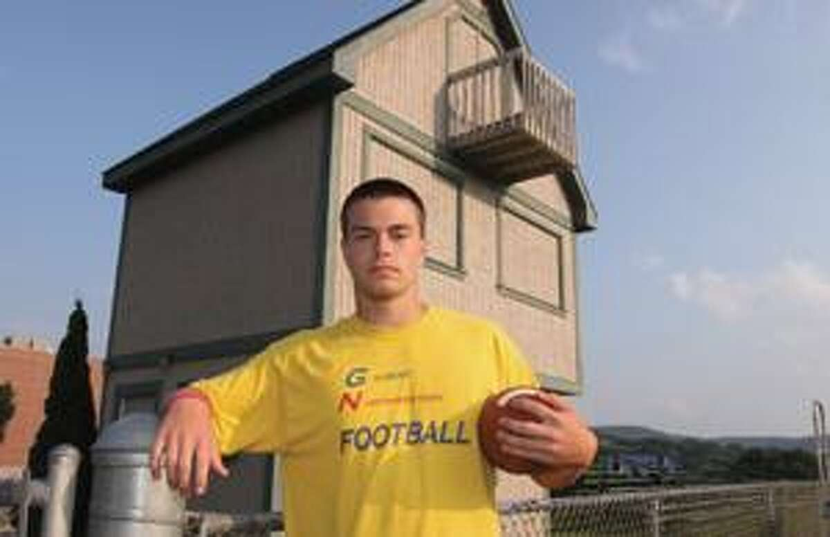 Junior quarterback Bobby Lippincott is ready for the 2009 football season after spending the summer playing baseball.