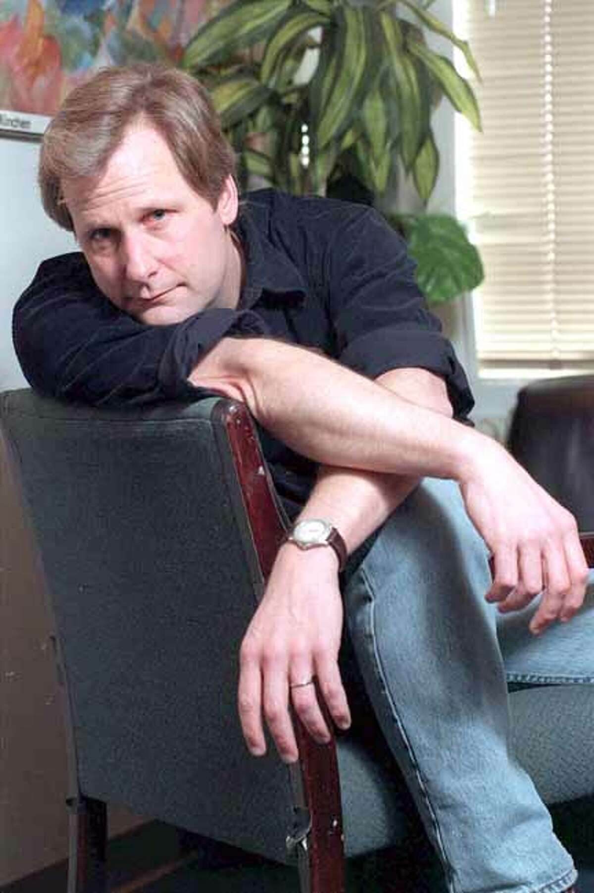 Actor Jeff Daniels poses in New York Feb. 10, 1999. Daniels will be singing and playing acoustic guitar at Infinity Hall on Oct. 20. Tickets go on sale July 1. AP