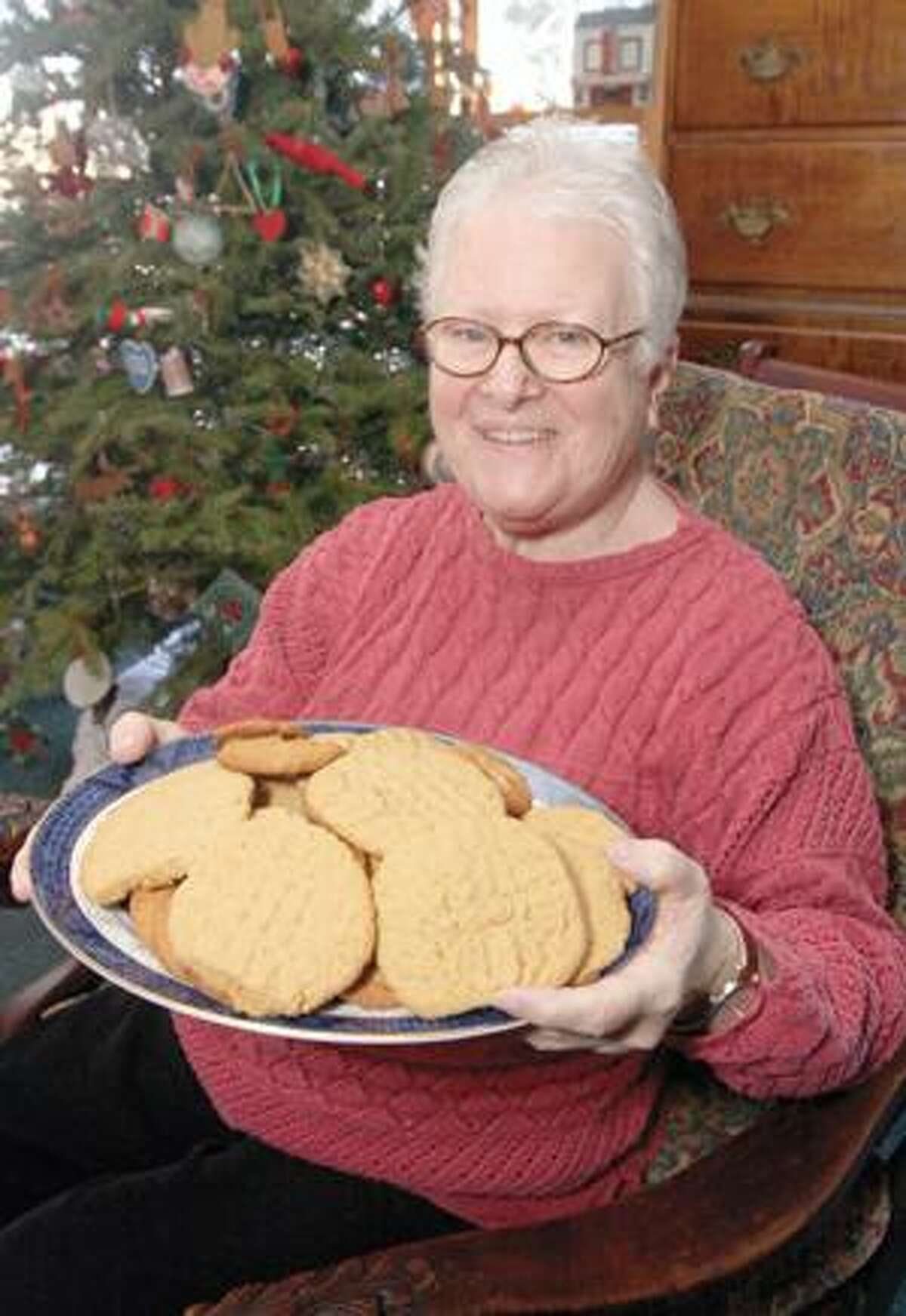 SONJA ZINKE/Register CitizenAnn McGurk of Litchfield with a plate of her homemade cookies. Purchase a glossy print of this photo and more at www.registercitizen.com