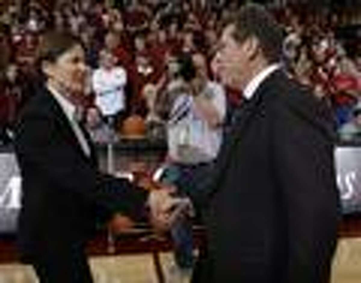 in the first half of an NCAA college basketball game in Stanford, Calif., Thursday, Dec. 30, 2010. (AP Photo/Paul Sakuma)
