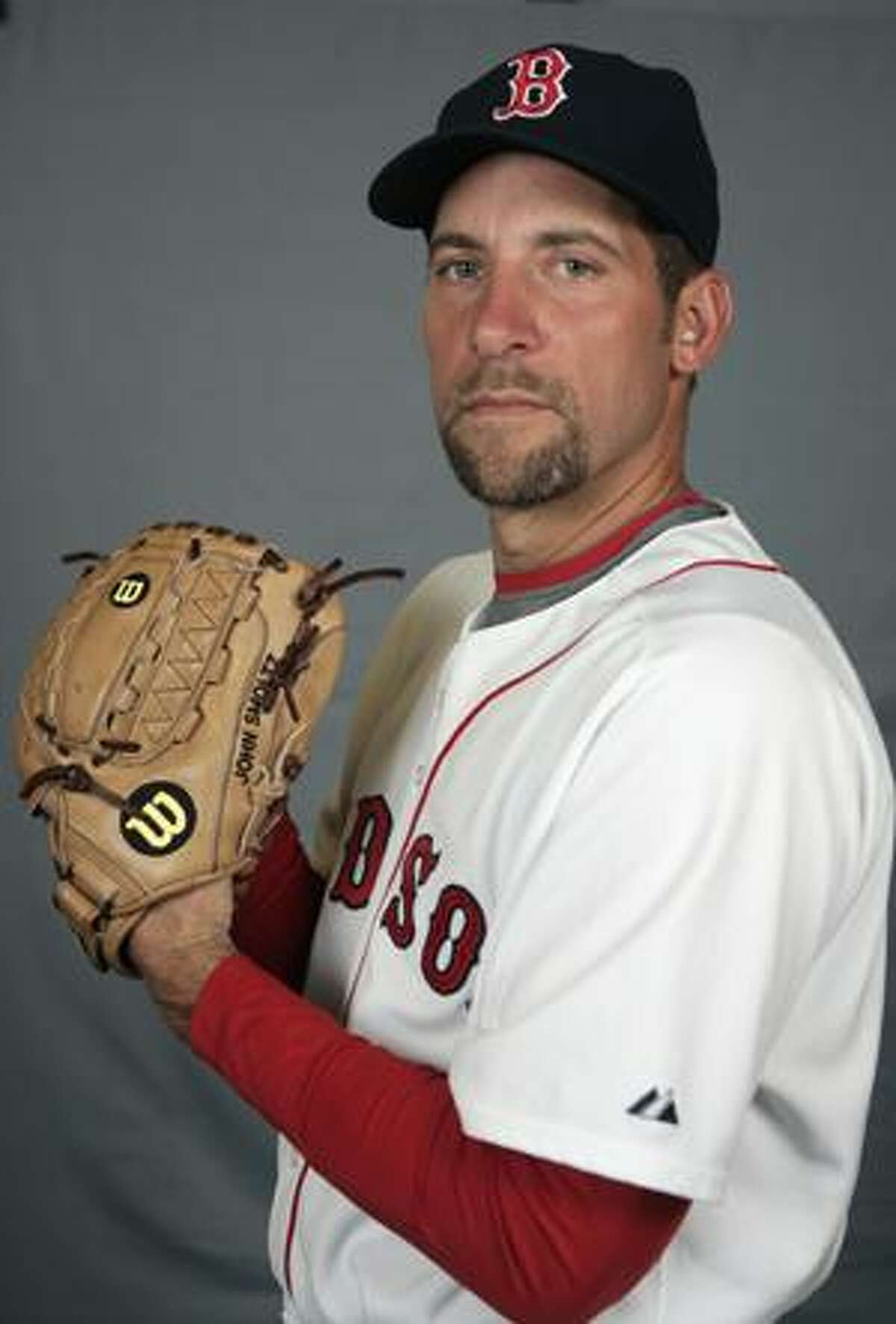 FILE -- This is a 2009 file photo showing Boston Red Sox baseball player John Smoltz. The Cardinals have already fattened their batting order with the addition of slugger Matt Holliday. Now they're expected to beef up their pitching by signing John Smoltz. (AP Photo/Steven Senne, File)