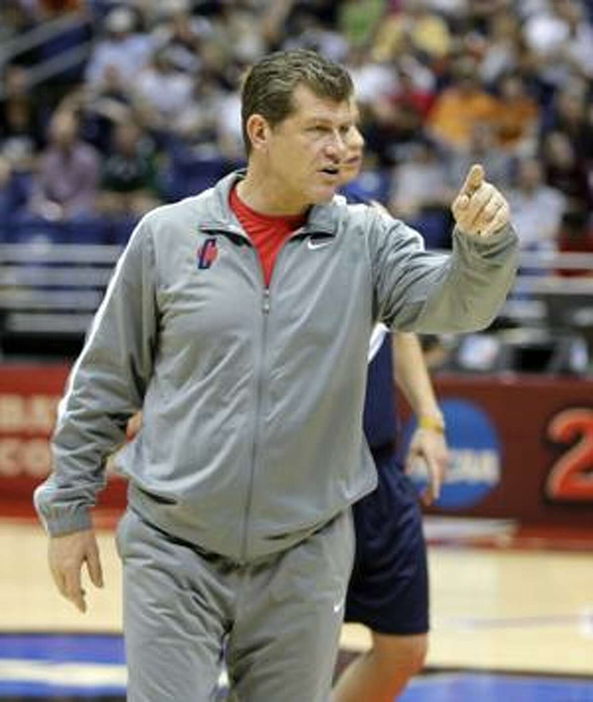 Connecticut coach Geno Auriemma instructs his team during practice for the NCAA Women's Final Four college basketball tournament Saturday, April 3, 2010, in San Antonio, Texas. Connecticut plays Baylor in a national semifinal game Sunday. (AP Photo/Sue Ogrocki)
