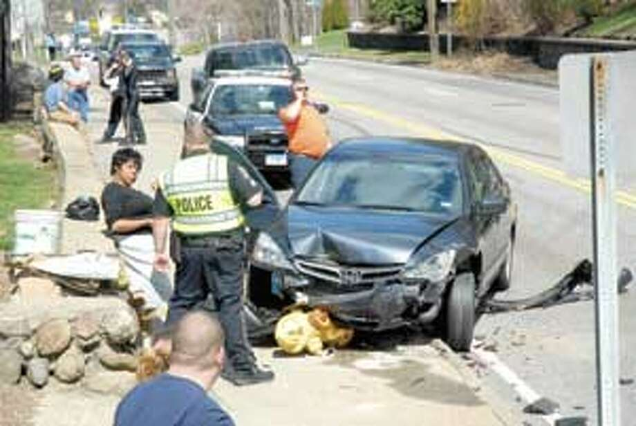 Road re-opened following 5 car accident(with video) - The Register ...