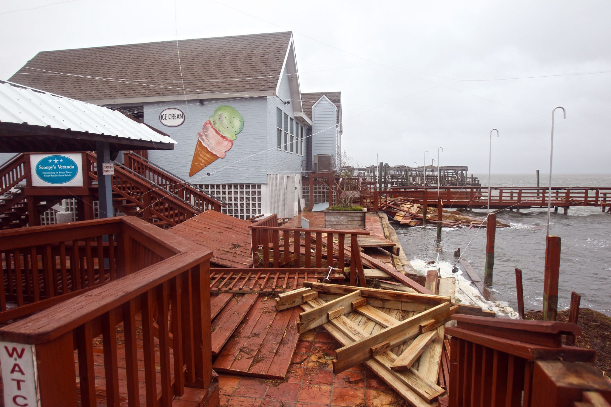 Beloved Corpus Christi Restaurant Snoopy S Is Damaged But