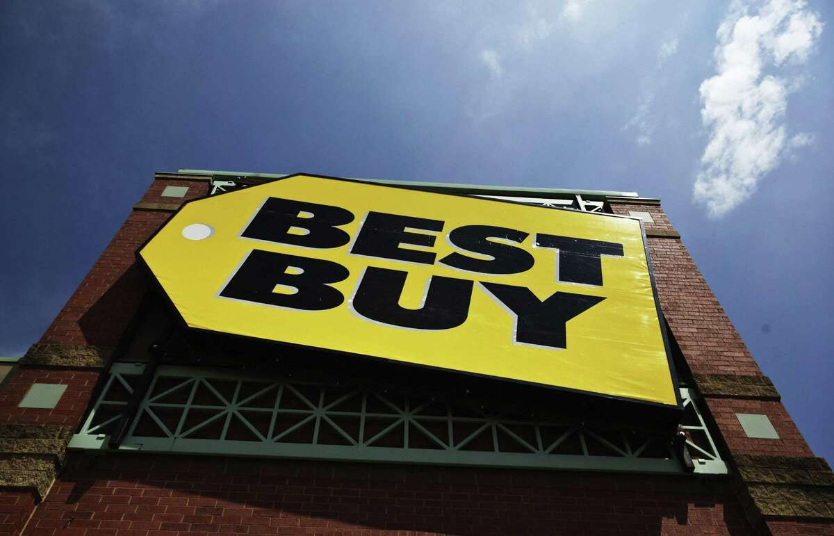 Best Buy posted a 5.4 percent jump in comparable sales in its most recent quarter.
