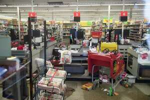 Inside view of the HEB on 5417 S Braeswood Boulevard. Tuesday, Aug. 29, 2017, in Houston. ( Marie D. De Jesus / Houston Chronicle )