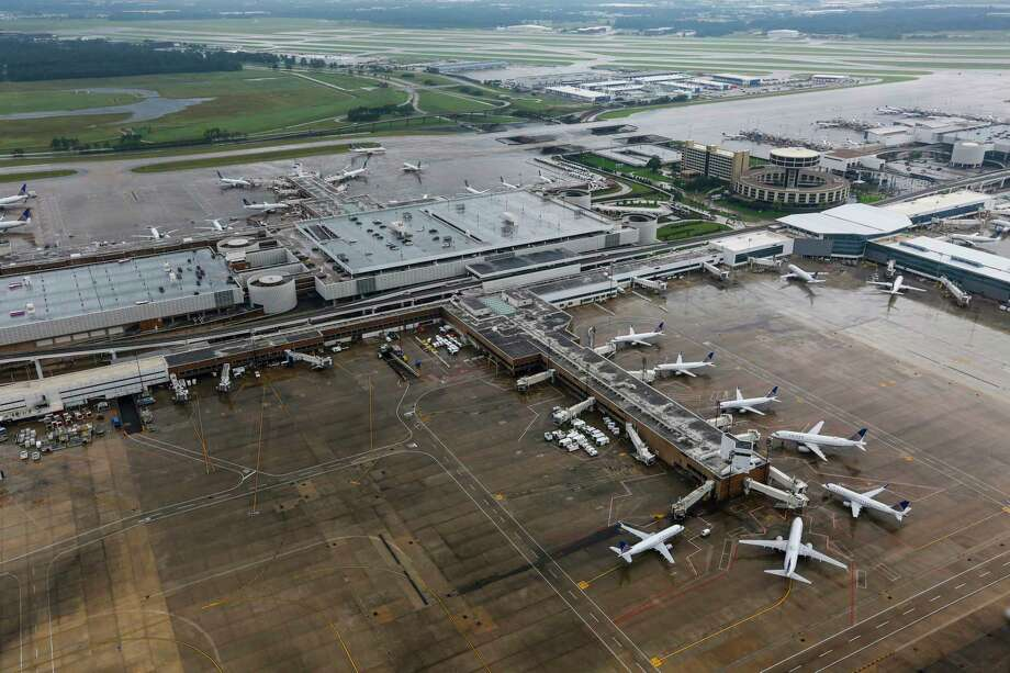 FILE - Airplanes sit idle at George Bush Intercontinental Airport on Aug. 29, 2017, in Houston, Texas. Tuesday, officials responded to a reported bomb threat at IAH. Photo: Brett Coomer, Houston Chronicle / © 2017 Houston Chronicle