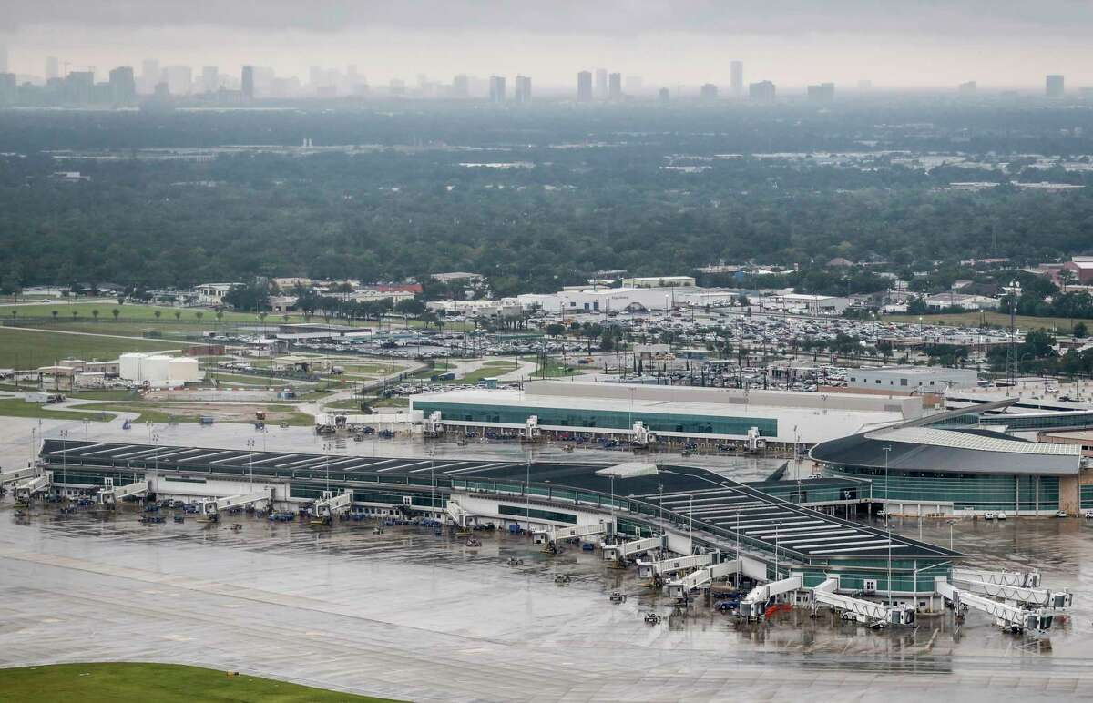 """""""Why the drastic improvements? CompareCards points to the thousands of flights canceled when Hurricane Harvey hit Houston and the Texas coast in summer 2017. """"Operations at both major Houston airports (Hobby and Bush) were heavily affected,"""" the study says, noting that the disruption """"led to Houston Hobby having the biggest drop in on-time arrivals in 2018's Summer Flight Delay Study."""" (Source:comparecards.com)"""