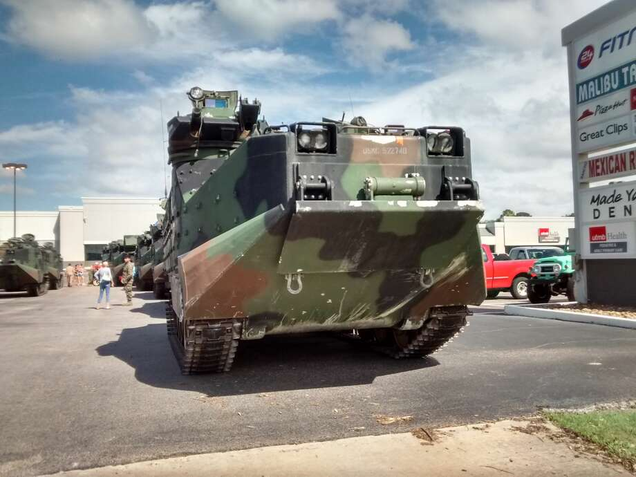 The Marines' 4th Assault Ampibious Battalion has been conducting rescue efforts in Friendswood since Tuesday afternoon and is preparing to go to Beaumont on Wednesday. Photo: Kirk Sides/Houston Chronicle
