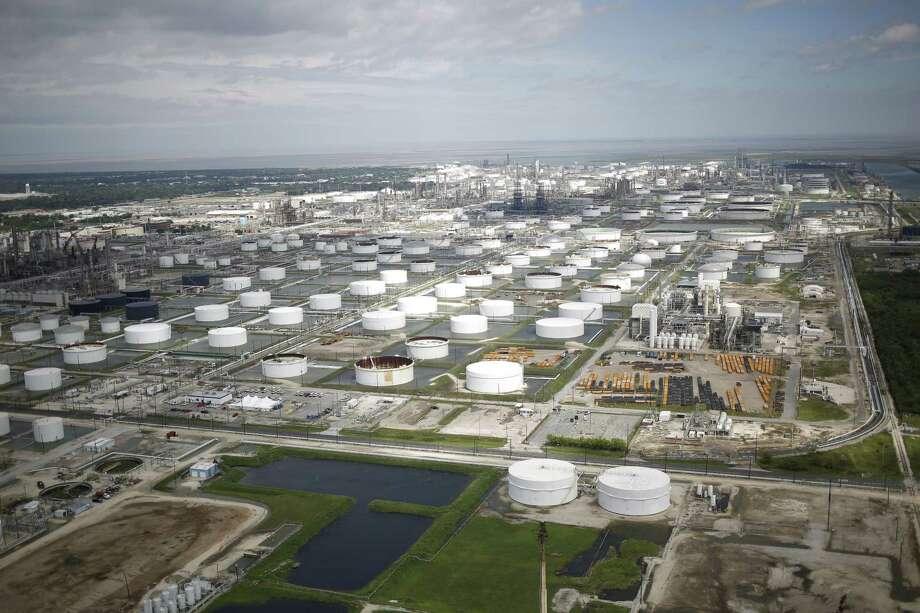 Oil refinery storage tanks stands in this aerial photograph taken above Texas City, Texas. Photographer: Luke Sharrett/Bloomberg Photo: Bloomberg / © 2017 Bloomberg Finance LP