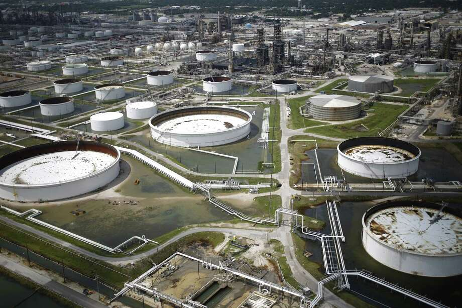 Big Crude Draw Offset By Large Products Build San Antonio Express News