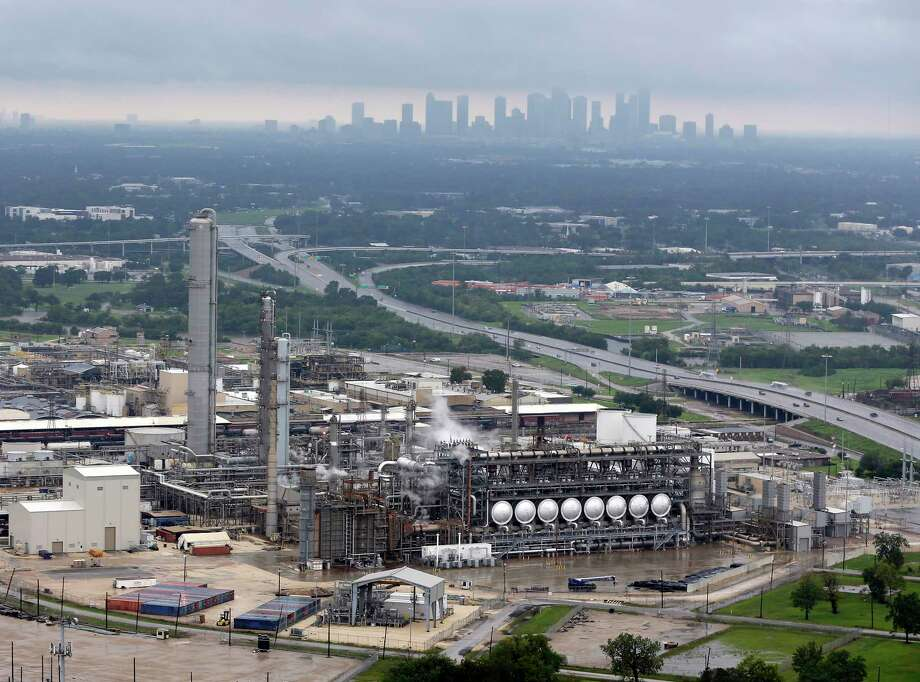 This aerial photo shows the Flint Hills Resources oil refinery near downtown Houston on Tuesday, Aug. 29, 2017. Photo: David J. Phillip, Associated Press / Copyright 2017 The Associated Press. All rights reserved.