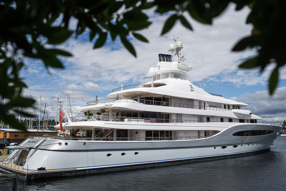 The Mayan Queen IV sits docked in Lake Union on June 1, 2017. The 305-foot long mega yacht belongs to Mexican mining billionaire Alberto Bailleres of Mexico City. Photo: GRANT HINDSLEY, SEATTLEPI.COM / SEATTLEPI.COM