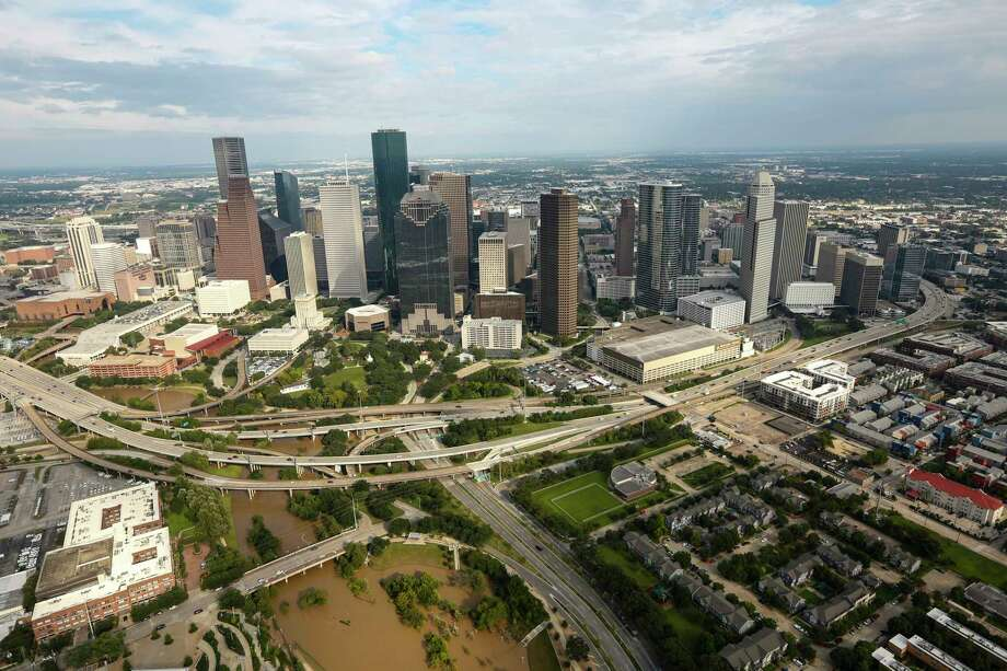 Waters levels of Buffalo Bayou have receded near downtown in the aftermath of Tropical Storm Harvey on Wednesday, Aug. 30, 2017, in Houston. Photo: Brett Coomer, Houston Chronicle / © 2017 Houston Chronicle