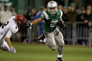 De La Salle senior running back Kairee Robinson won't shoulder as much of the offensive as he did in his junior year, in part because his responsibilities on the defensive side of the ball are increasing.