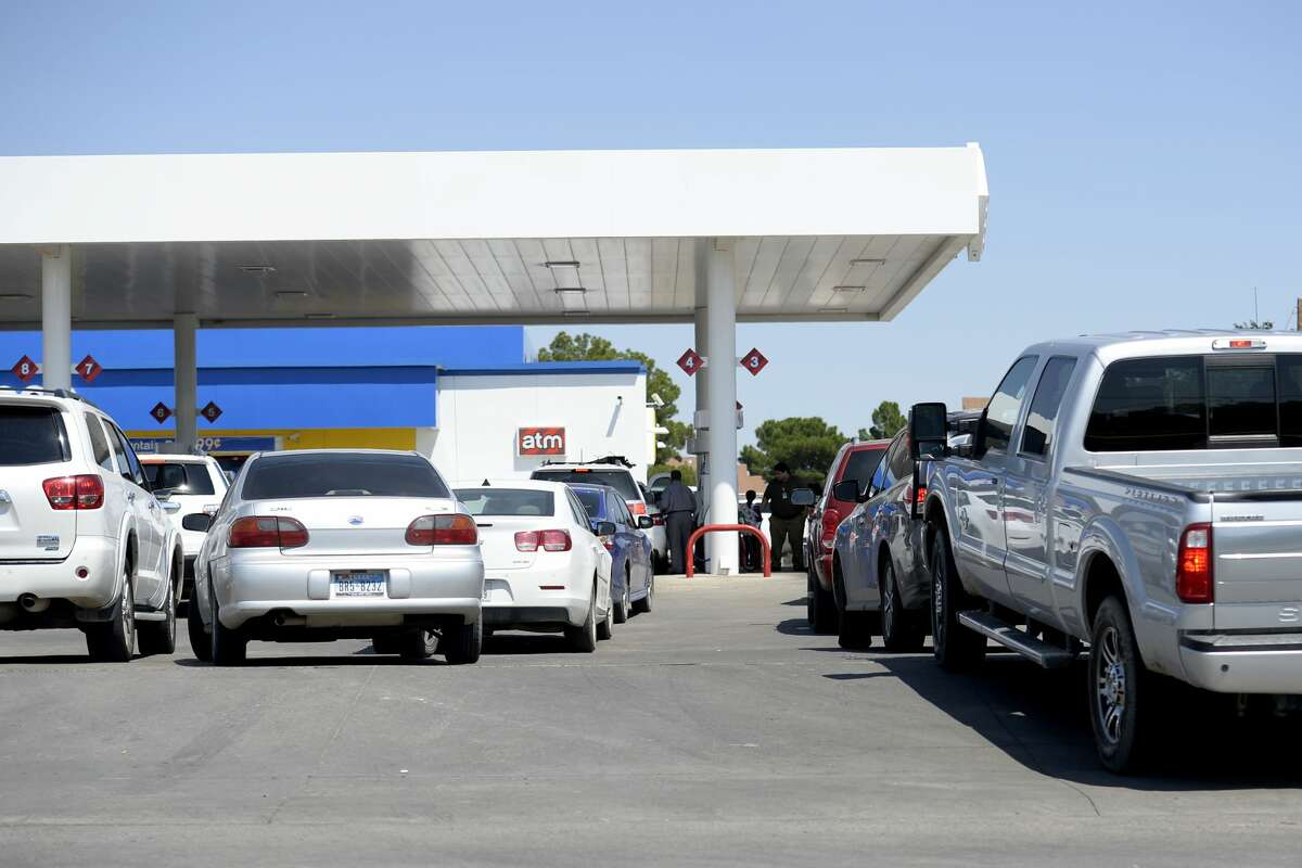 Midland drivers crowd gas stations across the city in response to rumors of a possible gas shortage in the aftermath of Hurricane Harvey, Aug. 31, 2017.