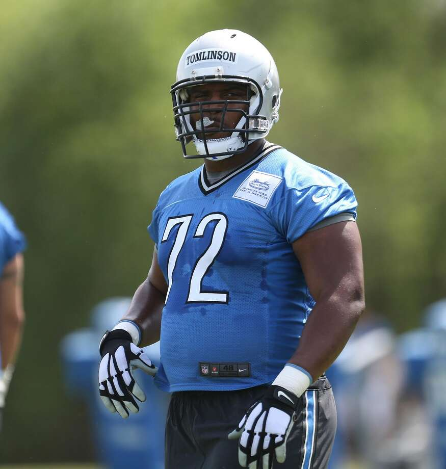 Offensive lineman Laken Tomlinson goes through drills during the Detroit Lions rookie mini camp at the team's Allen Park, Mich., practice facility on May 8, 2015.   (Kirthmon F. Dozier/Detroit Free Press/TNS) Photo: Kirthmon F. Dozier, TNS