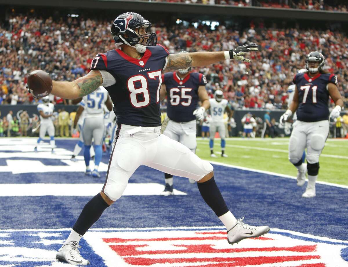 Texans tight end C.J. Fiedorowicz (87) will be activated to the 53-man roster for Sunday's game against the Rams. He missed the last eight weeks with a concussion.