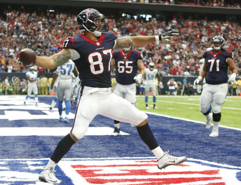 Texans tight end C.J. Fiedorowicz (87) will be activated to the 53-man roster for Sunday's game against the Rams. He missed the last eight weeks with a concussion. Photo: Brett Coomer/Houston Chronicle
