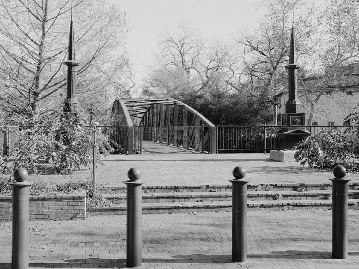 From 1880 to 1914, the East Commerce Street Bridge was made of iron. It was then moved to Johnson Street in the King William neighborhood.