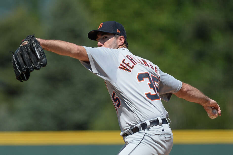 1. RepertoireThe 6-time All-Star has four pitches he has primarily relied on throughout his career at his disposal: Fourseam, slider, curveball and changeup. However, according to FanGraphs, Verlander has occasionally utilized a cutter and sinker to get the job done this season. Photo: Dustin Bradford/Getty Images