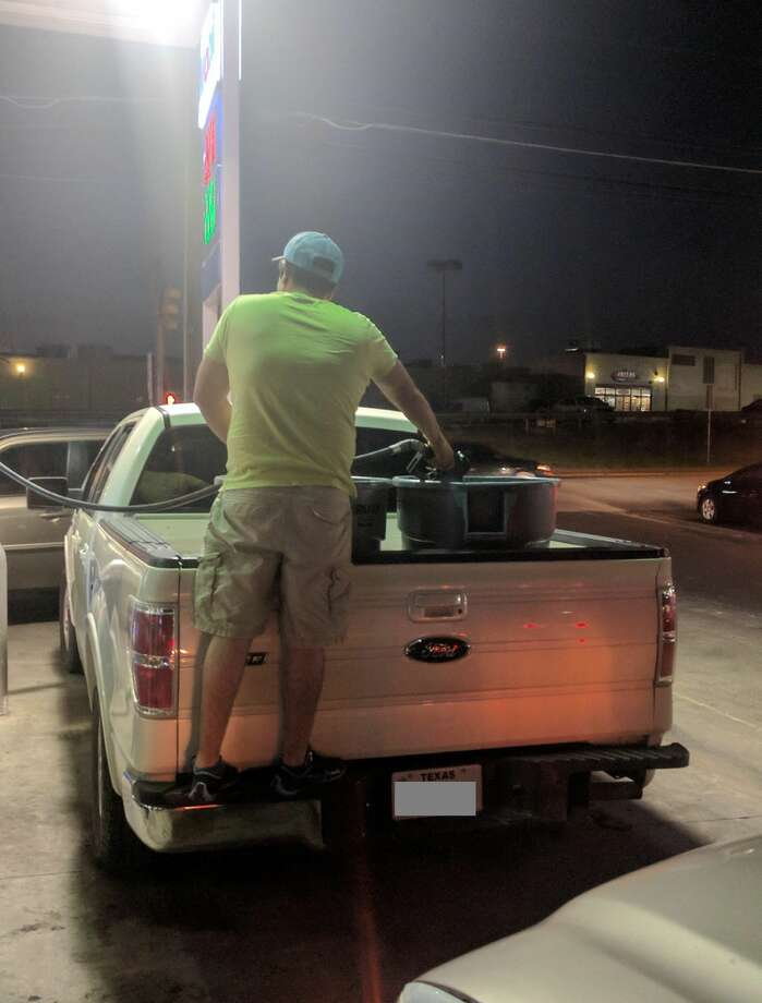 Gas shortages around Austin have forces Texans to take extreme measures when it comes to collecting fuel. Photo: Imgur