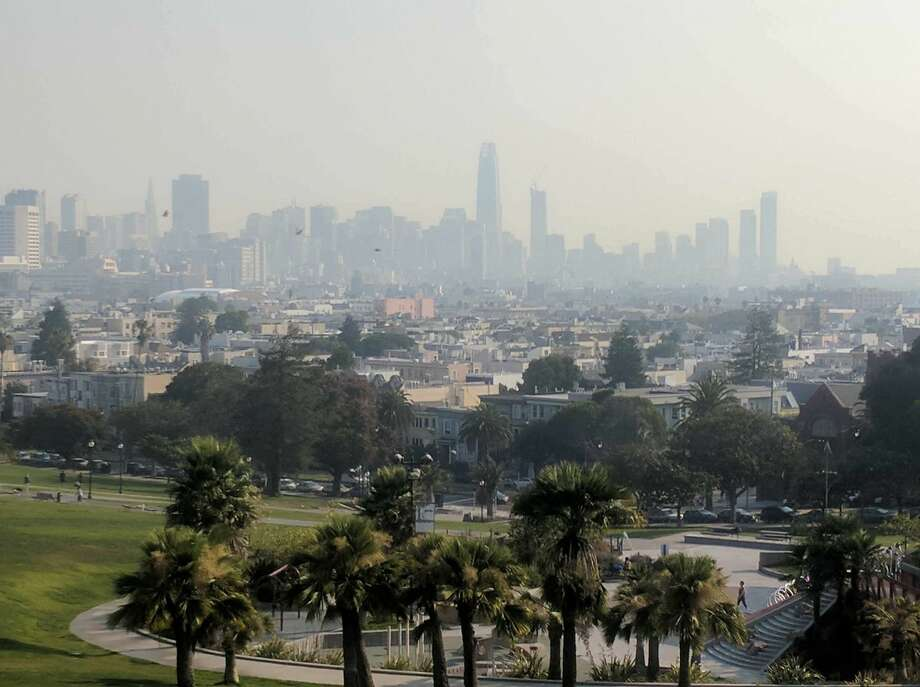 A smoke-filled view of San Francisco's skyline from Dolores Park on Sept. 1, 2017 Photo: Amy Graff