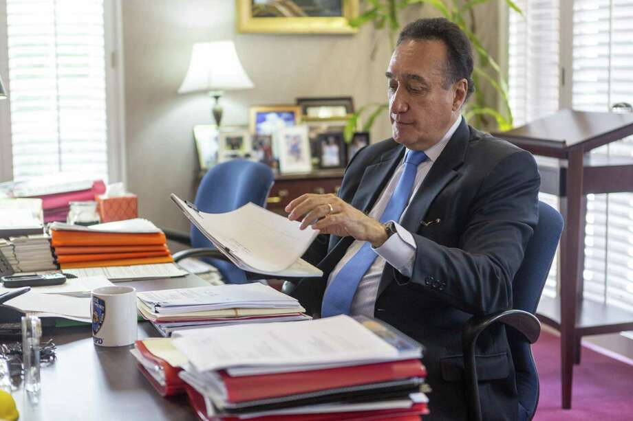 Ex-San Antonio Mayor Henry Cisneros warned the elimination of the local and state tax deductions will cripple state's and local government's abilities to finance bonds for public works. Photo: William Luther /San Antonio Express-News / © 2017 San Antonio Express-News