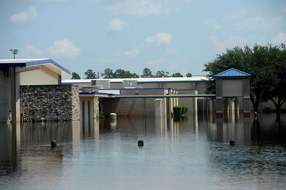 Henderson Middle School surrounded by flooding in Sour Lake on Friday.  Photo taken Friday 9/1/17 Ryan Pelham/The Enterprise Photo: Ryan Pelham / ©2017 The Beaumont Enterprise/Ryan Pelham