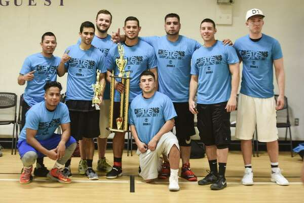 Team Pompa defended its title winning the 2017 Laredo Adult Basketball League Division A Championship 60-57 over the regular-season champion Blackout on Thursday at Tarver Recreation Center.