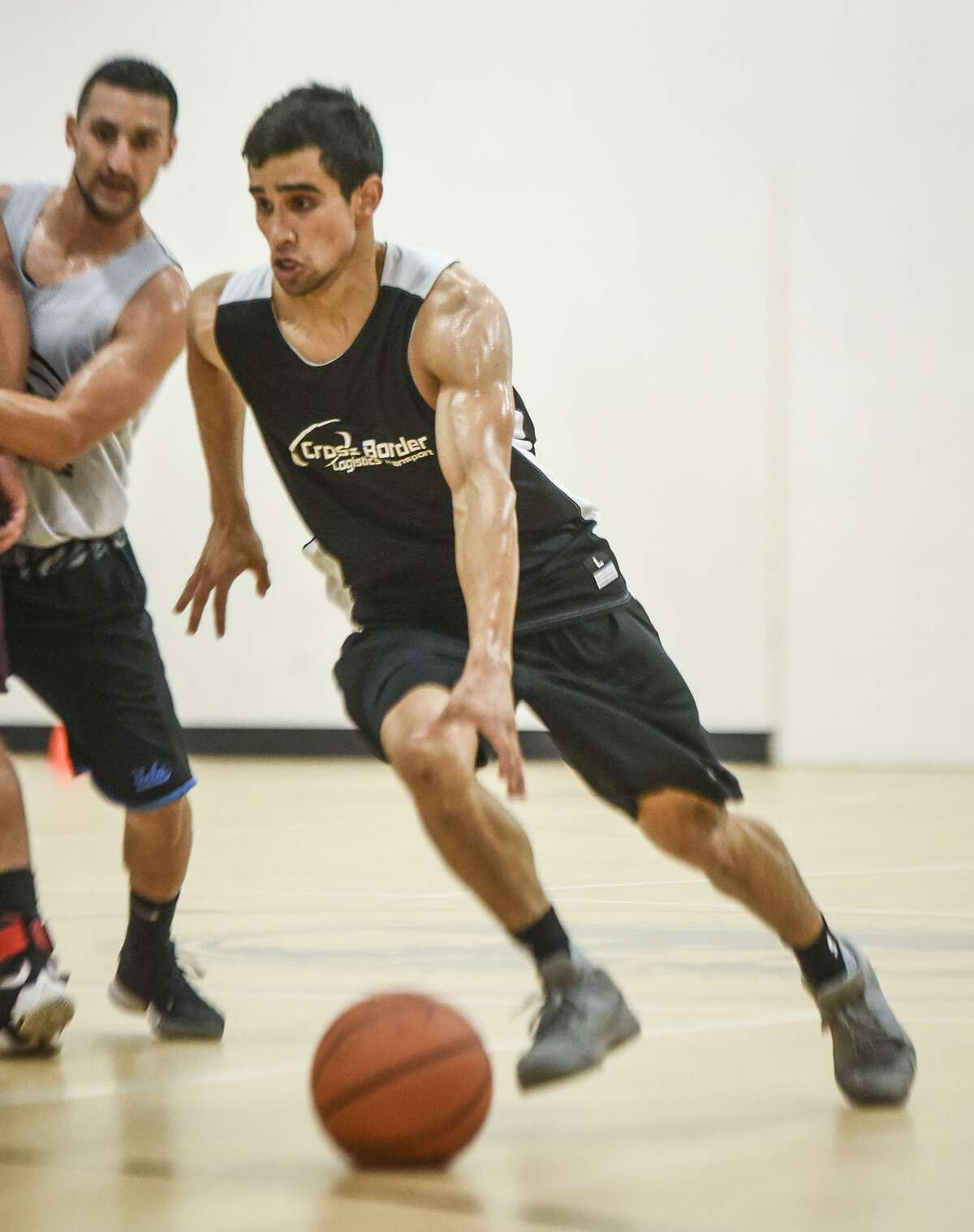 Alexander alumnus Andy Garcia won the MVP award leading Team Pompa to back-to-back Laredo Adult Basketball League Division A championships.