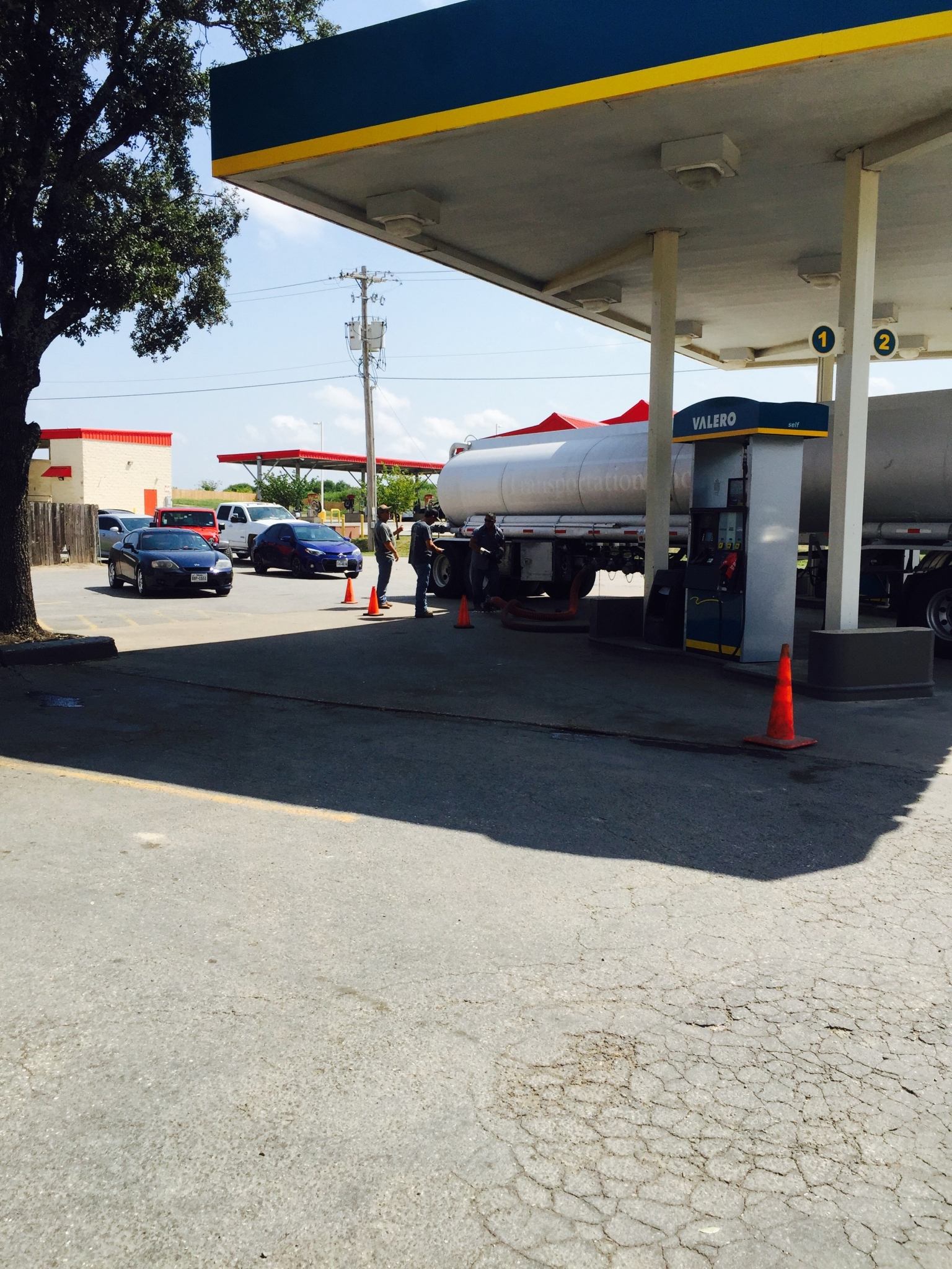 Roughly 72 percent of San Antonio gas stations out of fuel as ...