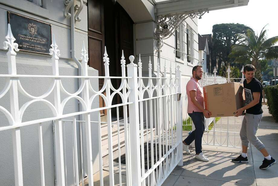 Employees remove boxes from the Russian Consulate building in San Francisco after the Trump administration ordered the consulate to close by Saturday. Photo: Paul Chinn, The Chronicle