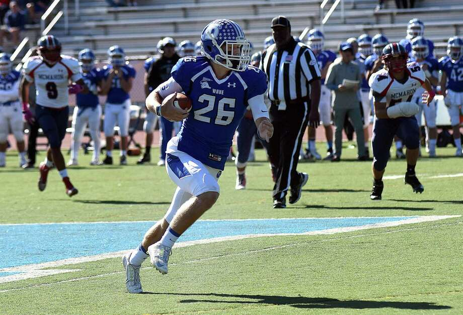 Darien's Nick Gree n is back this year to help try and lead the Blue Wave to another state title. He amassed 1,013 all-purpose yards, including 556 receiving yards la st season. Photo: John Nash / Hearst Connecticut Media / Norwalk Hour