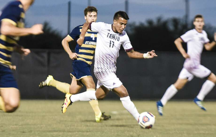 Alan Rivera scored both of TAMIU's goals in a 2-1 comeback victory at Eastern New Mexico to be named the Dustdevil Male Student-Athlete of the Week. Photo: Danny Zaragoza /Laredo Morning Times File / Laredo Morning Times