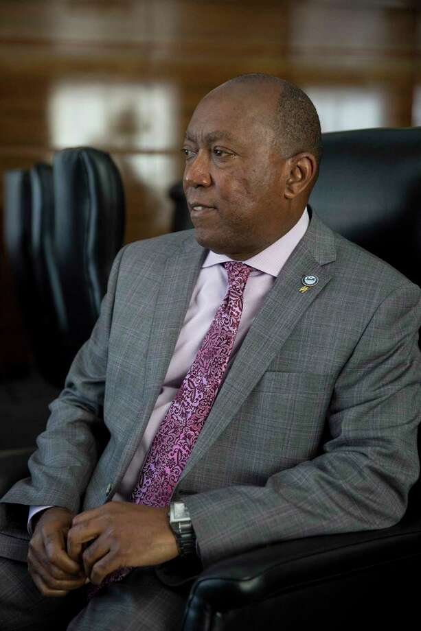 FILE -- Mayor Sylvester Turner of Houston in his office, Feb. 15, 2017. Turneré•s decision not to order a mandatory evacuation in the face of Hurricane Harvey was the most significant move of his first 20 months in office, and perhaps his long political career.  (Ilana Panich-Linsman/The New York Times) Photo: ILANA PANICH-LINSMAN, STR / NYTNS