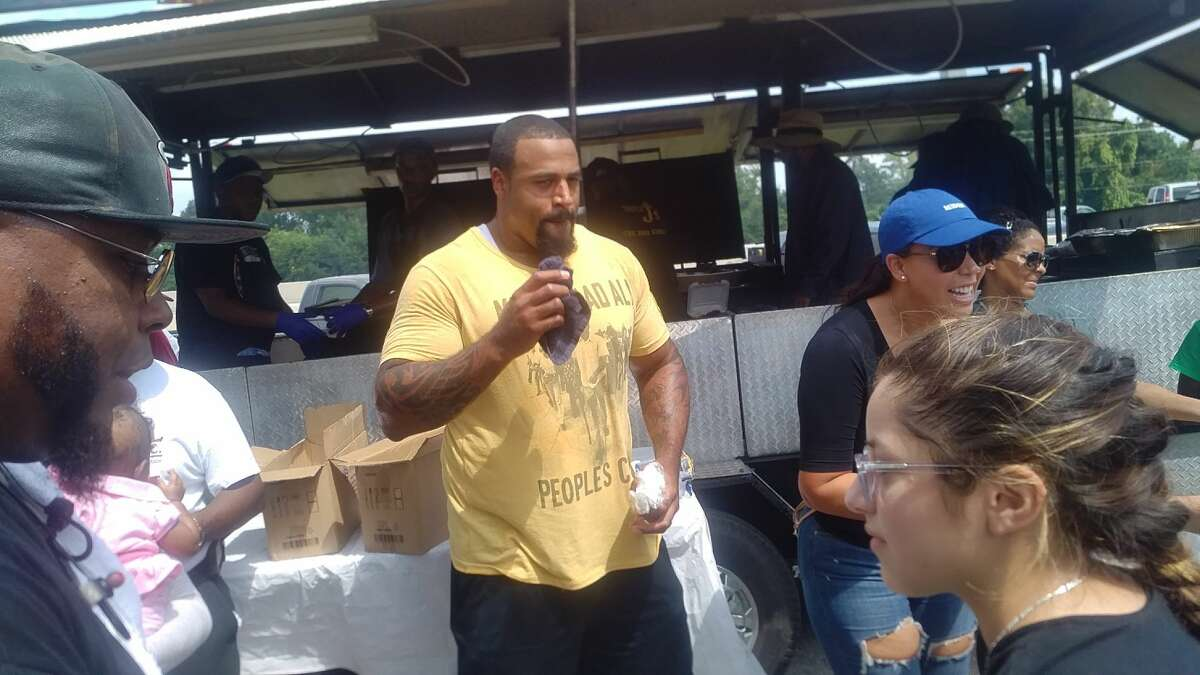 Offensive tackle Duane Brown's holdout from the Texans is ongoing as he seeks a contract extension. On Monday, Brown handed out food to supplies to victims of Hurricane Harvey in Houston.