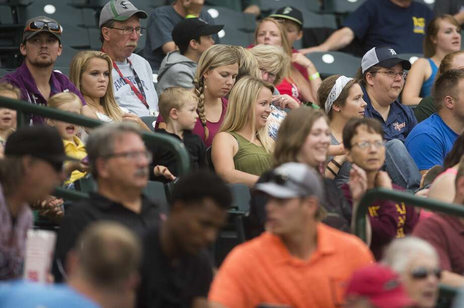 Fans watch during the Great Lakes Loons' game against the Lake County Captains on Monday, September 4, 2017 at Dow Diamond. Photo: (Katy Kildee/kkildee@mdn.net)