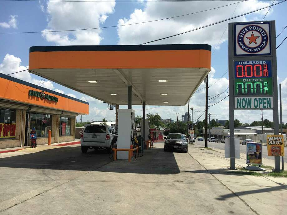 San Antonio Gas Prices >> S A Gas Stations Slowly Recovering From Rush For Fuel San