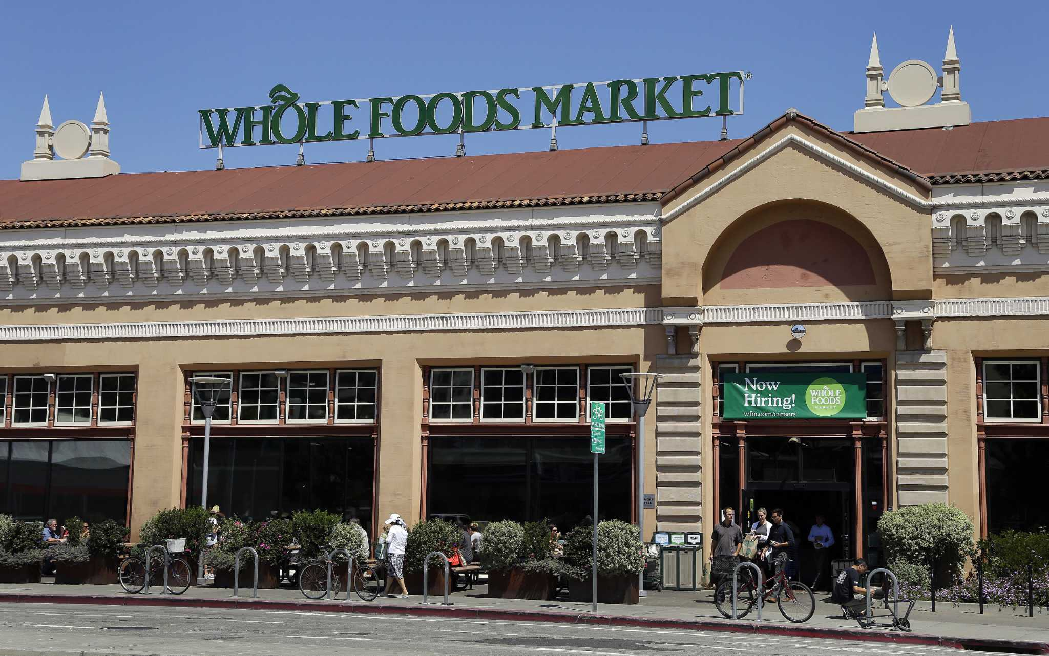 amazon 39 s whole foods price cuts brought 25 jump in. Black Bedroom Furniture Sets. Home Design Ideas